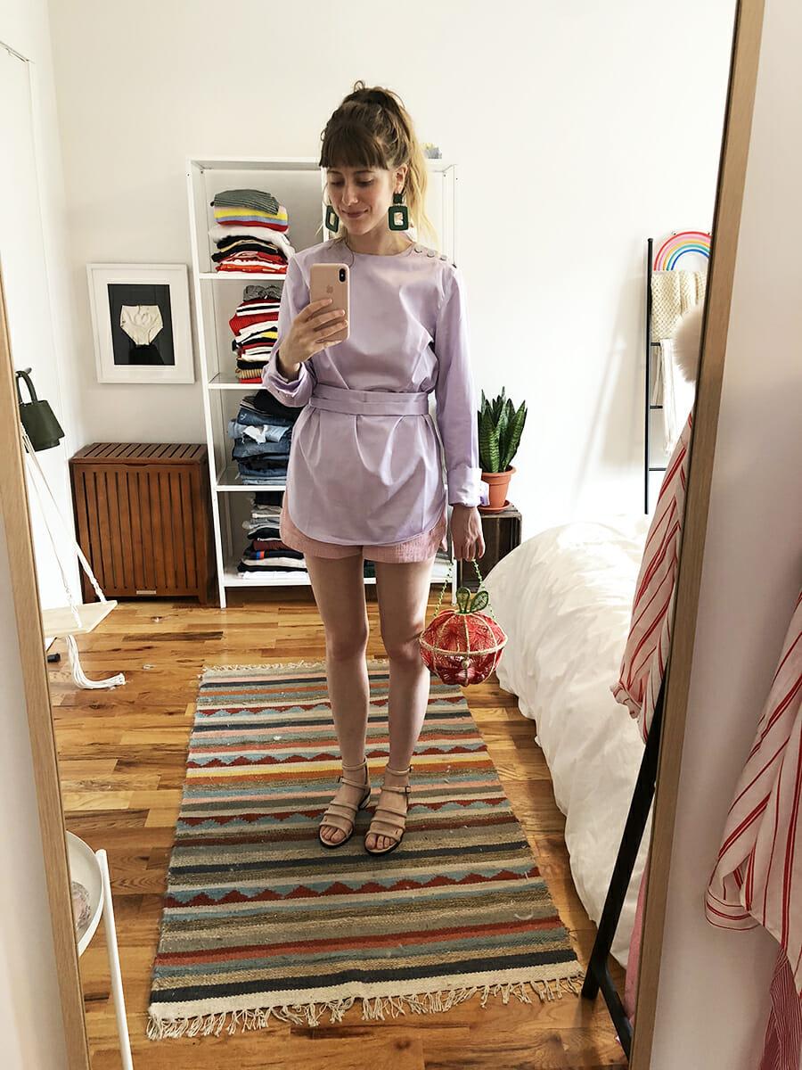 purple top sandals apple bag mirror selfie